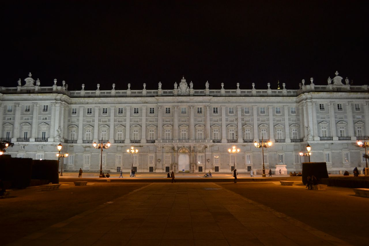 Palacio_Real_funkloch_Madrid