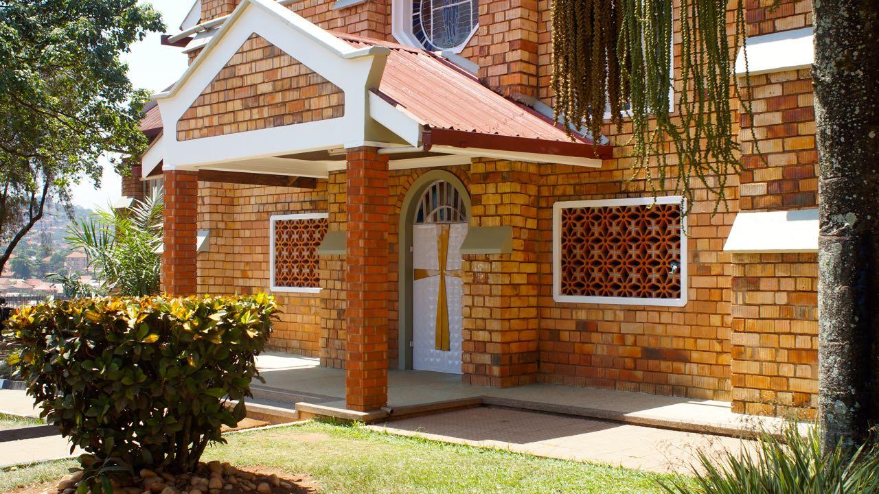 Katholische Kirche Uganda Nähe Sir Jose Hotel