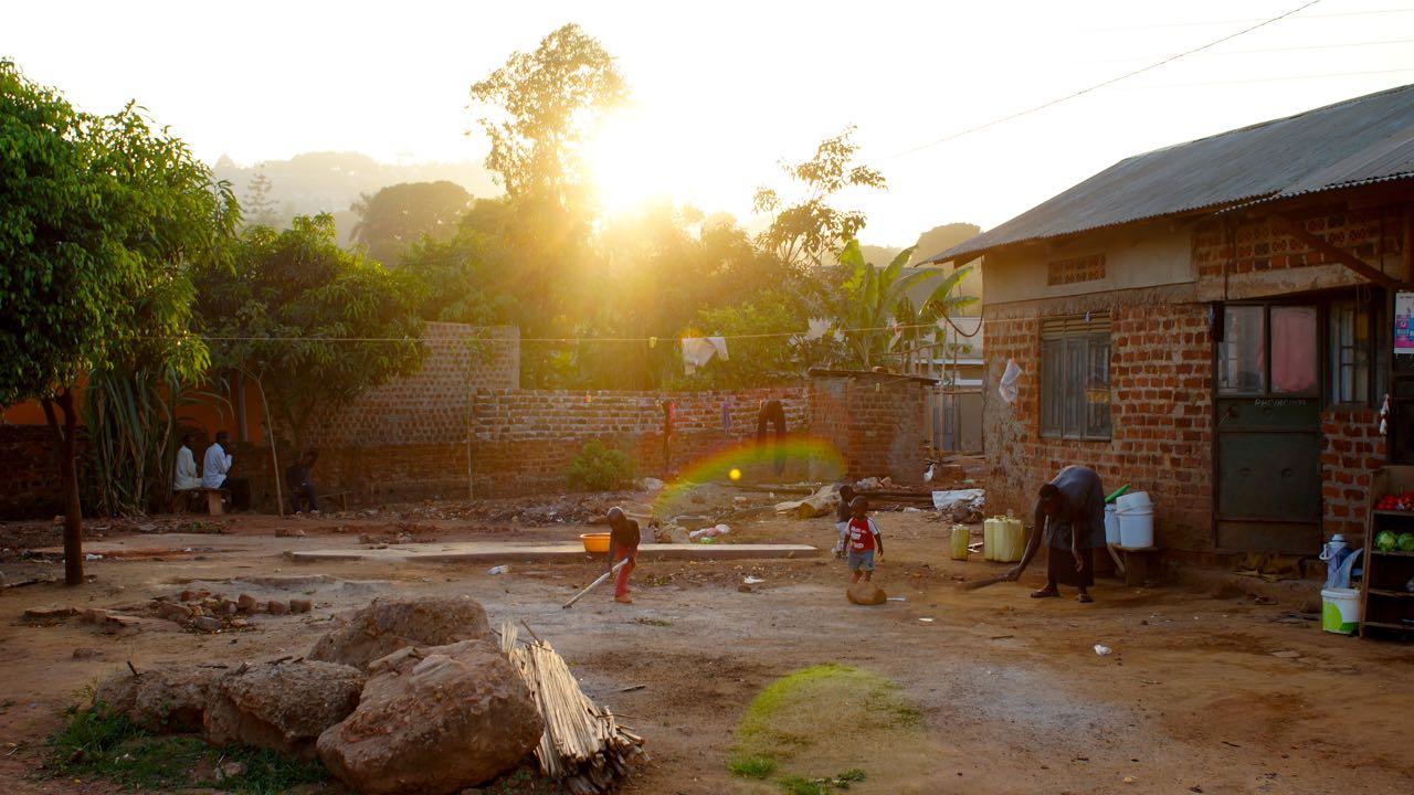 Volunteering in Uganda, einem Entwicklungsland, das es nötig hat