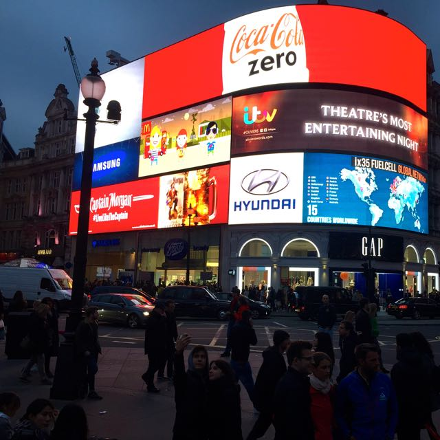 3Picadilly_Circus