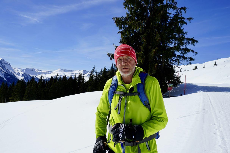 Schneeschuh Wanderführer Hans