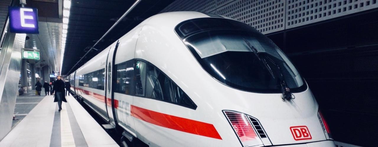 Bahn fahren für Nachhaltigkeit im Alltag
