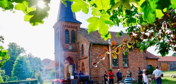 Gut Schmerwitz Kirche Café