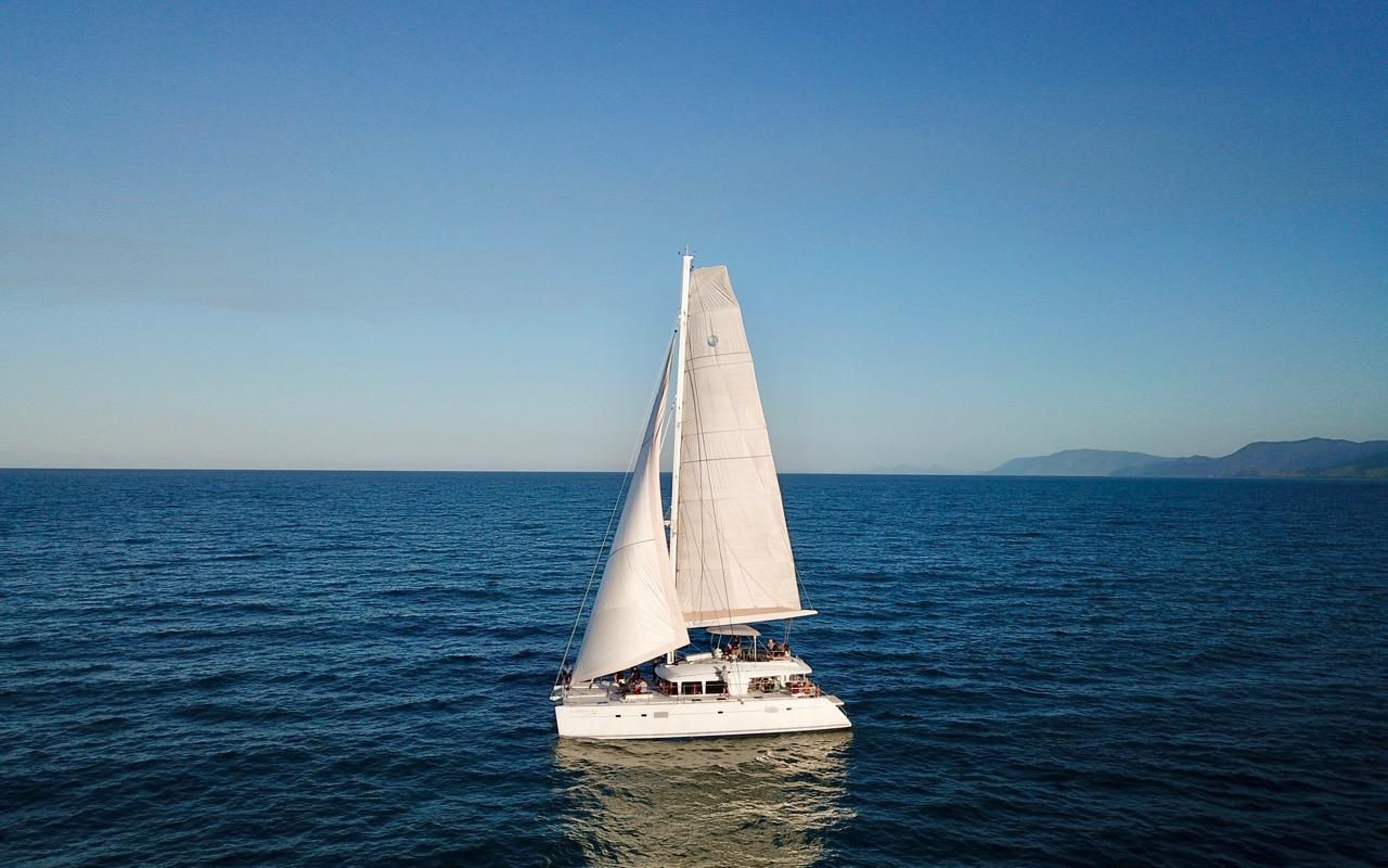 Drohnenaufnahme Sailaway Segelboot